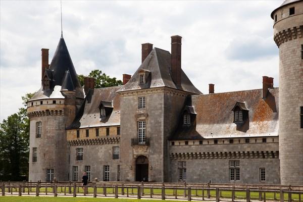 176.Sully-sur-Loire