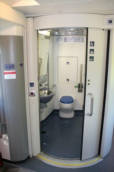 Чудо немецкого железнодогожного туалетостроения.