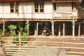 Дома в деревне.
