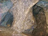 Дыроватый Камень. Гроты