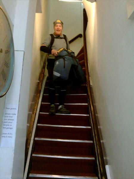 Крутая лестница в отеле