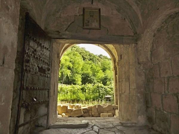 Южные ворота и створка ворот города Гянджа