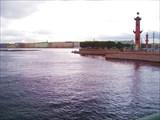 Вид с Биржевого моста на Ростральные колонны