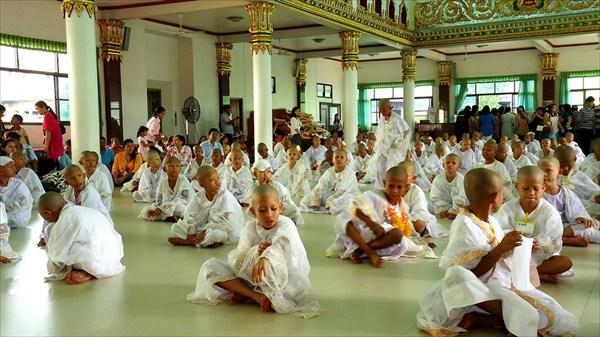 Церемония посвящения в саманеры
